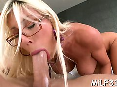 mature pornstar with nice boobies gives a perfect blowjob