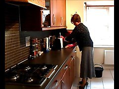 Sissy Housewife Washing Up