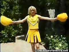 cheerleader sweetie gets laid